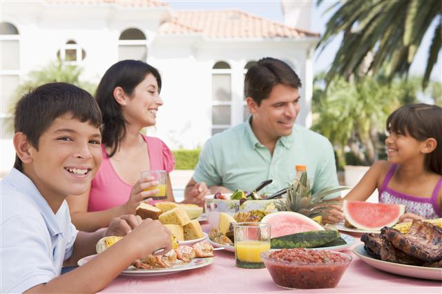 Guest blog: Eating Together- Make it a Priority for Your Family ...
